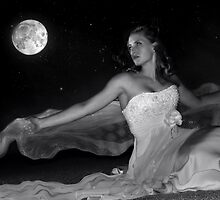 Moonstruck by Jean Hildebrant