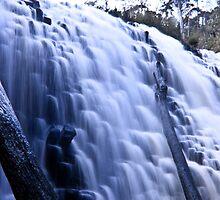 Dip Falls by MuzzaPhotog