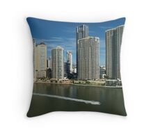 Brisbane: city and river Throw Pillow