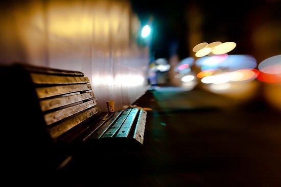 bench@night by Victor Bezrukov
