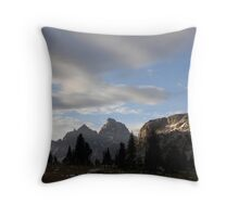 Sunrise over Solitude lake Throw Pillow