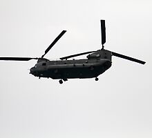 Chinook at the Eastbourne Airbourne show 2015 by Keith Larby