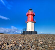 Point of Ayre Lighthouse - Isle of Man by Richard  Cubitt