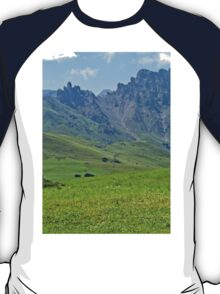 Green mountains (Italy)2 T-Shirt