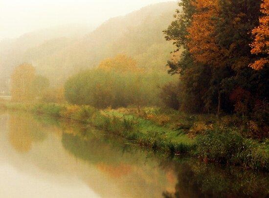 Fog along the river.. by Yool