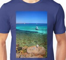 Hold me tight - Kos island Unisex T-Shirt