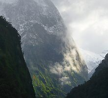 Doubtful Sound 01 by Barry Culling