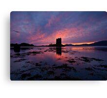 Scotland: Sunset at Castle Stalker Canvas Print