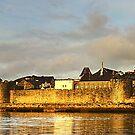 Castell Caernarfon (Caernarfon Castle) Wales, UK by Andrew S