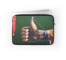 Berlin thumb up Laptop Sleeve