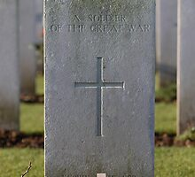 Grave of an unknown British soldier by Tony Roddam