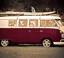 Camper van surfs up old skool  by Martyn Franklin