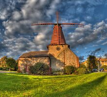 Blatchington Windmill, Hove by montyg