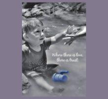 Love greeting card Kids Tee