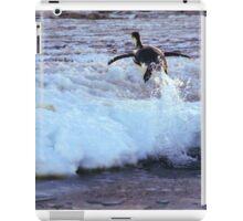 Emperor Penguin 'Flying' Home iPad Case/Skin