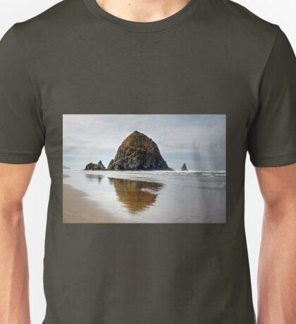 Haystack Rock, Cannon Beach, Oregon Unisex T-Shirt