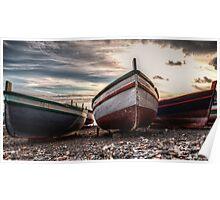 Vecchie barche sulla riva Poster