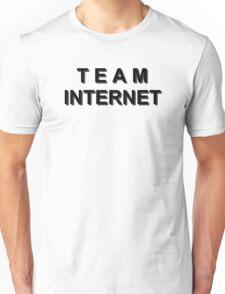 team internet black Unisex T-Shirt