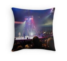 A day at the circus Throw Pillow