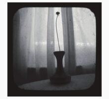 Vase Silhouette B&W TTV Kids Tee