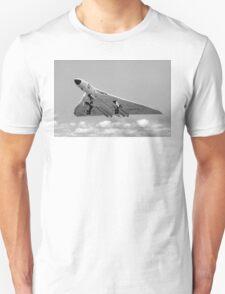 Avro Vulcan B.1 XA901 overshooting T-Shirt