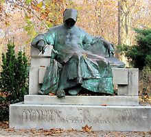 Anonymus.statue.unknown.Hungarian.cronicler.Citypark.Budapest2010Nov by ambrusz