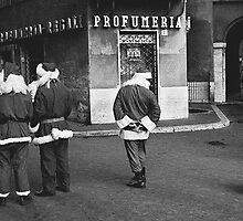 Piazza Navona Santas by pmreed