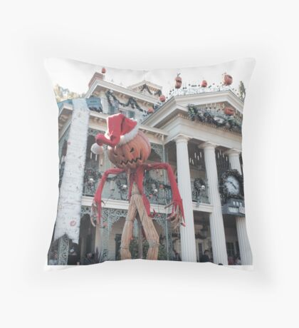 Haunted Mansion Holiday! Throw Pillow