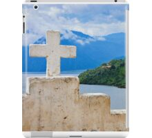 Cruz Blanca iPad Case/Skin