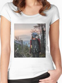 Facing the mountains Women's Fitted Scoop T-Shirt