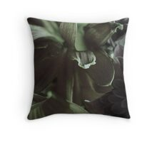 FLORA 16 Throw Pillow