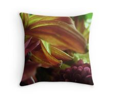 FLORA 18 Throw Pillow