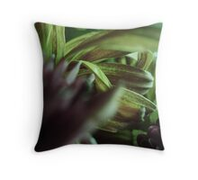 FLORA 19 Throw Pillow