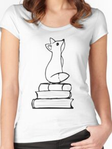Fox on Books - With pages Women's Fitted Scoop T-Shirt