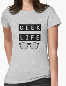 Geeky Life Nerd Glasses Typography T-Shirt