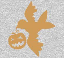 Cute bird flying with a pumpkin Halloween! Baby Tee