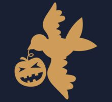 Cute bird flying with a pumpkin Halloween! Kids Tee