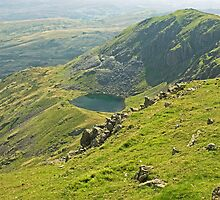 Brown Pike and Blind Tarn by Jamie  Green