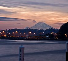 Mt Rainer Sunrise by DiamondCactus
