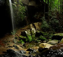 Horseshoe Falls, Hazelbrook, NSW by David Mapletoft