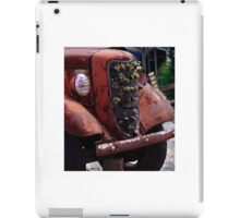 ANTIQUE FORD TRUCK GRILL iPad Case/Skin