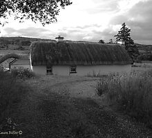 Low lying Thatch on the Foothills, Killbegs, Donegal. by Laura Butler