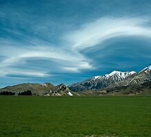 Lenticular Clouds 3 by johngs