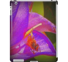 Bumble Bee Revisited iPad Case/Skin