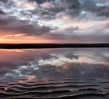 Cleveleys Beach . by Lilian Marshall
