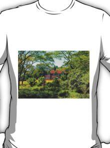 Giraffe Manore Hotel in Nairobi, KENYA T-Shirt