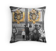 Golden Gates: Buckingham Palace, London. UK. Throw Pillow