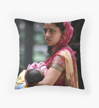 Bond between mother & child Throw Pillow