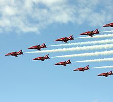 Red Arrows in Formation - Wings and Wheels 2010 by Peter Wells
