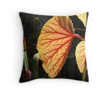 Leaves...the plant´s lungs Throw Pillow